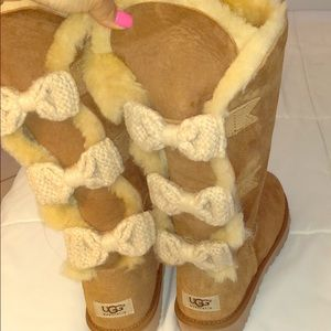 Ugg Chestnut Bow Boots 9